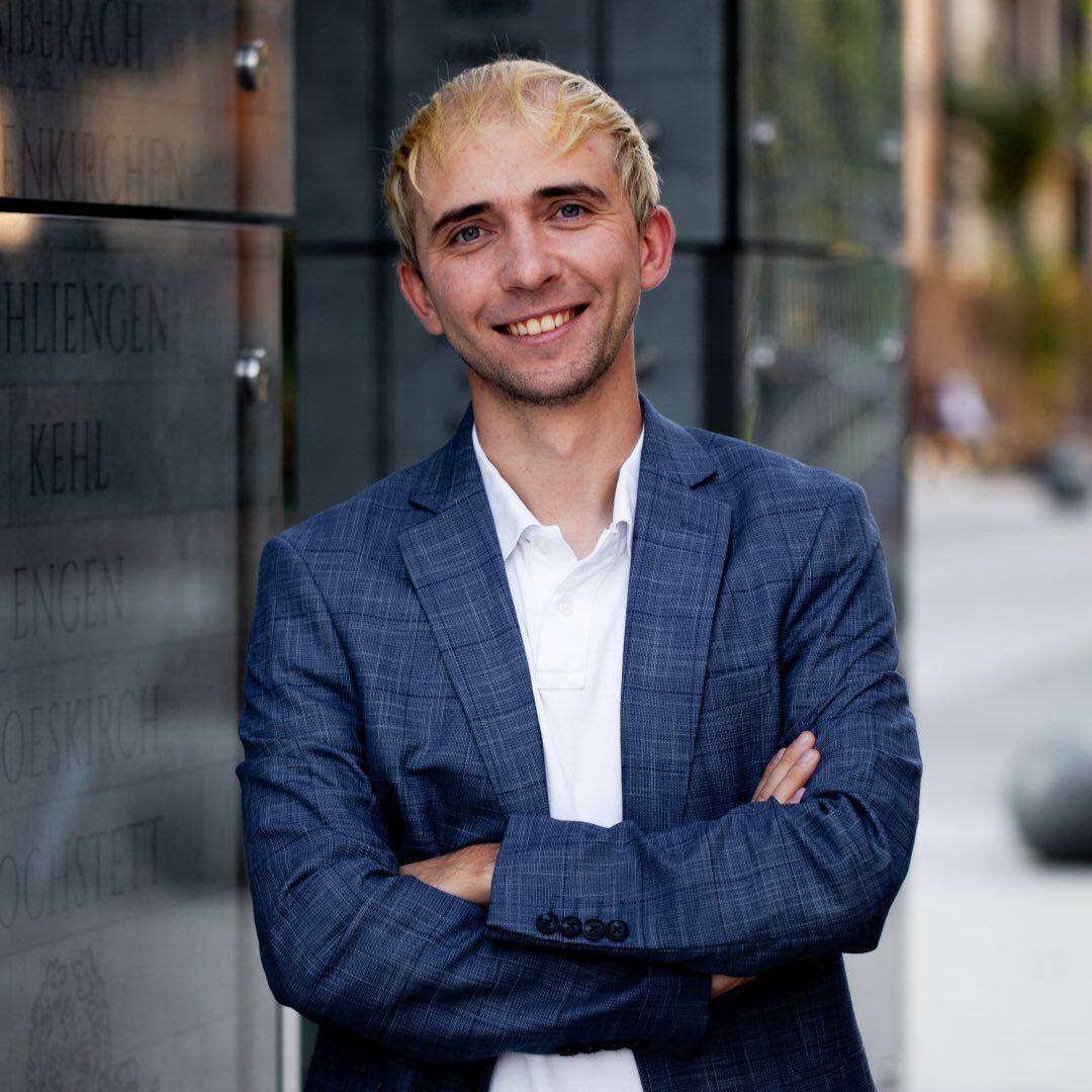 Петр Савич, бизнес-консультант
